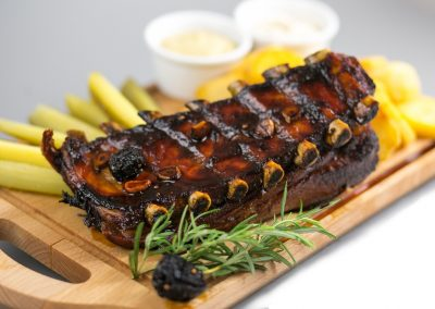 Ribs baked in honey and garlic